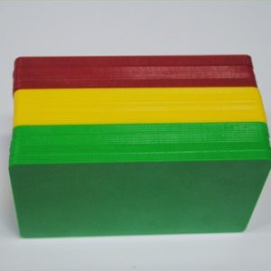 Tarjetas pvc coloreadas con cantos de color para imprimir